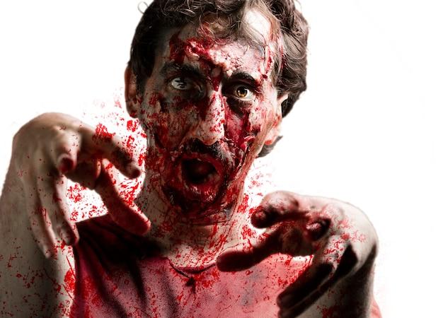 Zombie asustando