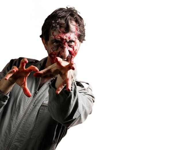 Zombie atacando