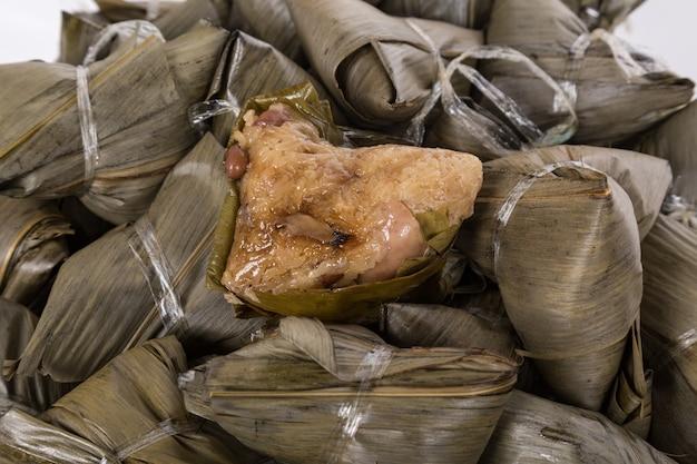 Zongzi, bola de masa de arroz o bola de masa de arroz pegajoso