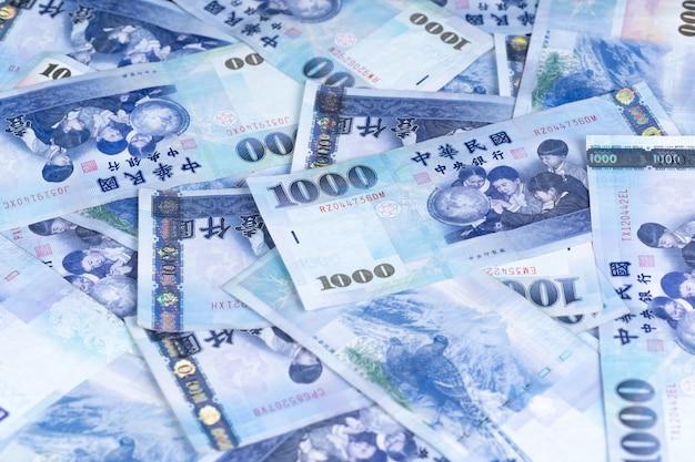 1000 nuove banconote in dollari di taiwan