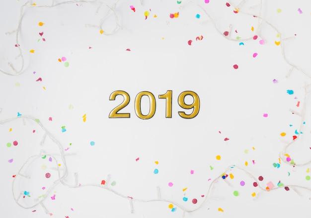 2019 numeri tra lucine e coriandoli
