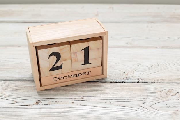 21 dicembre, giorno 21 del mese di dicembre, calendario di legno