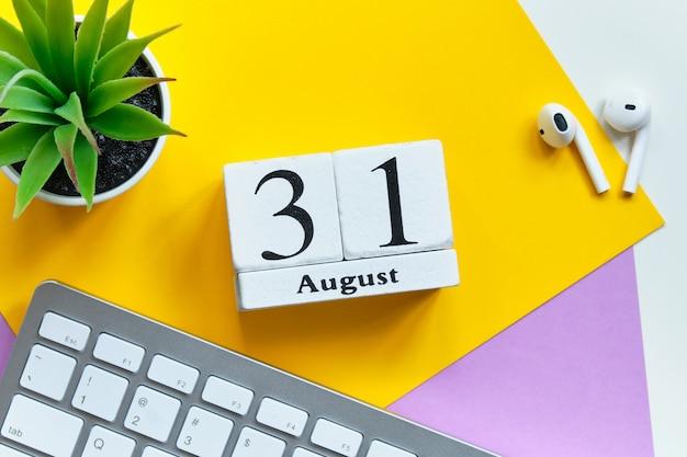 31 agosto - concetto di calendario mensile di trentunesimo giorno.