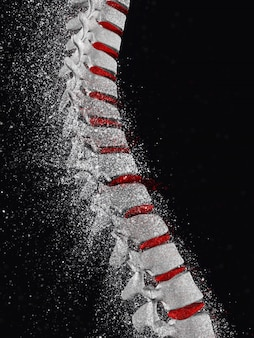 3d rendering di una colonna vertebrale con effetto disgregazione