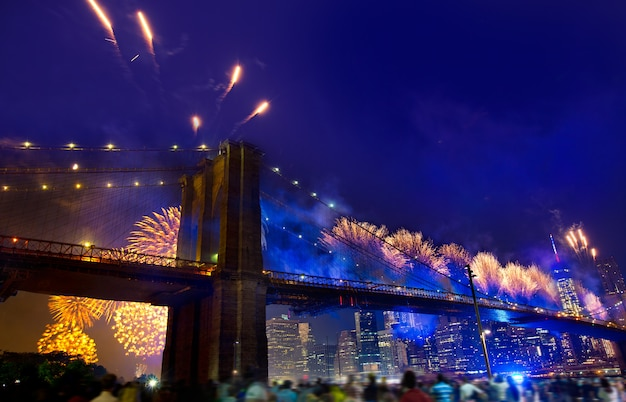 4 luglio 2014 fuochi d'artificio ponte di brooklyn manhattan