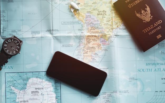 Accessori concept di viaggio per il turismo