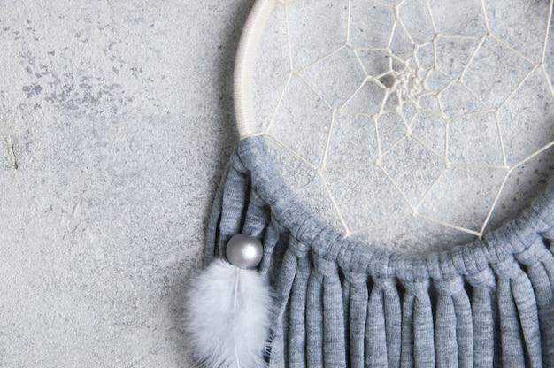 Acchiappasogni grigio beige