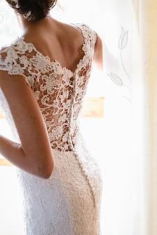 Acconciatura di una donna il giorno del suo matrimonio, back of a bride.