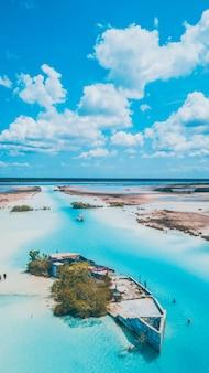 Acqua blu della laguna