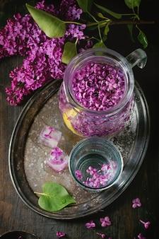 Acqua lilla con limone