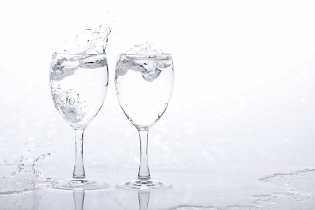 Acqua nel bicchiere di vino