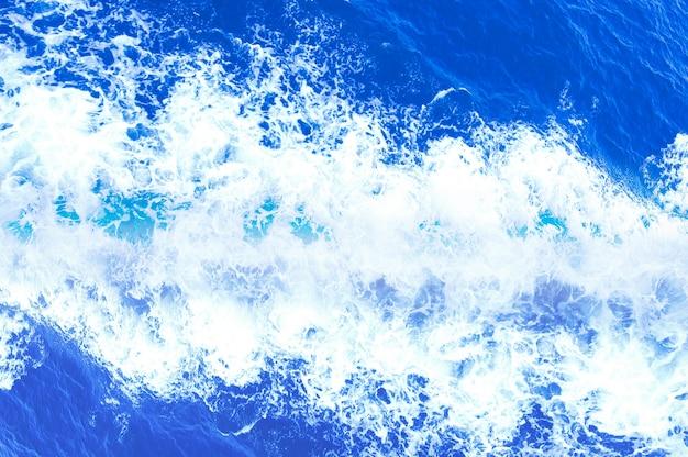 Acqua schiuma