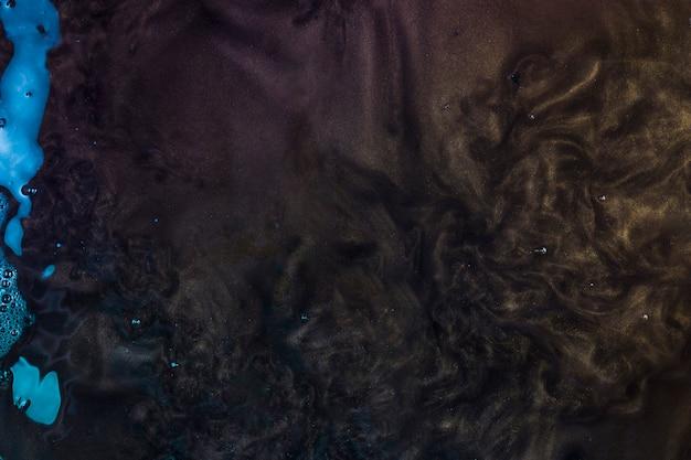 Acqua viola scuro
