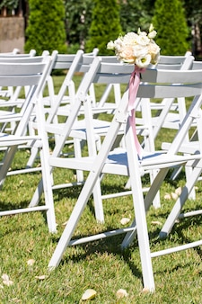 Addobbi per sposi, percorso di petali di rosa, addobbi per sposi