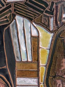 Aerea. campi strutturati di laghi salati paludosi. vila real santo antonio.
