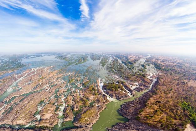 Aerial panoramico 4000 isole fiume mekong in laos, cascate di li phi
