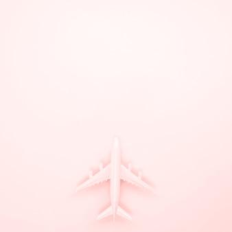 Aeroplano disteso con copia spazio