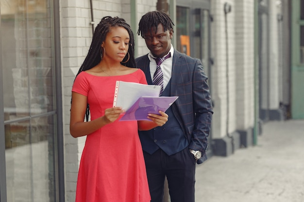 Affari elegante coppia nera