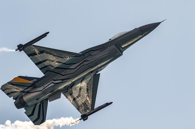 Aircraft f esibizione solista belga