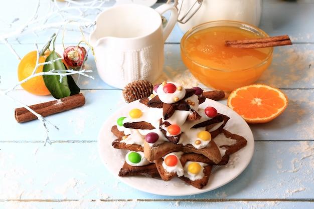 Albero di natale da torte fatte in casa biscotti allo zenzero