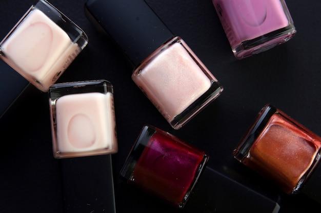 Alcune parti cosmetiche con perl