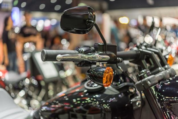 Alcune parti della motocicletta in occasione di un evento automobilistico.
