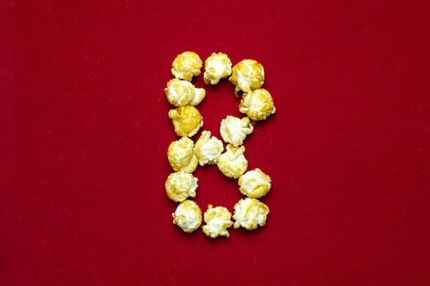 Alfabeto inglese da popcorn cinematografico con la lettera b