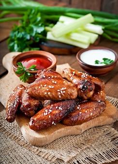 Ali di pollo al forno con salsa teriyaki