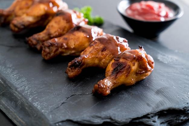 Ali di pollo barbecue