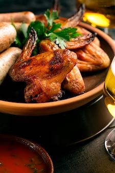 Ali di pollo grigliate