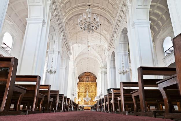 All'interno della chiesa