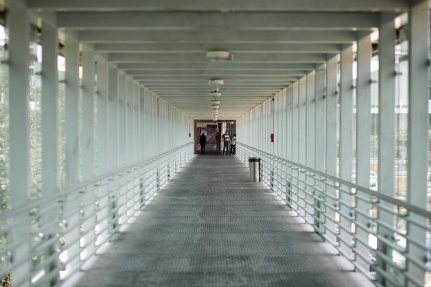 All'interno lungo attraversamento pedonale
