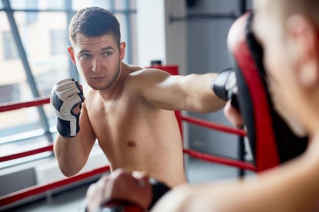 Allenamento di boxe nel fight club