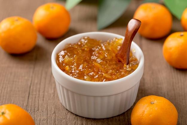 Alta vista casalinga del burro di frutta del mandarino