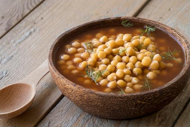Alto angolo del concetto di zuppa di ceci