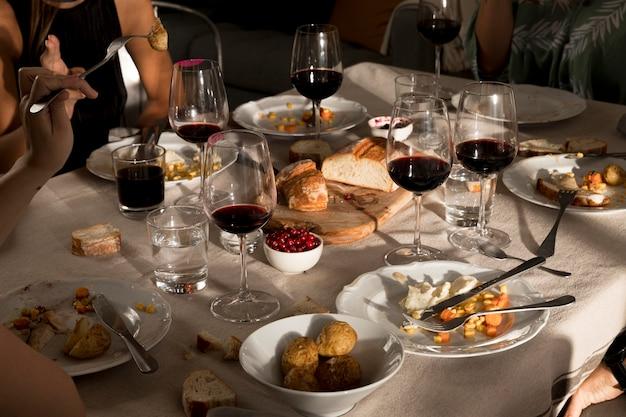 Alto angolo di delizioso pasto del ringraziamento