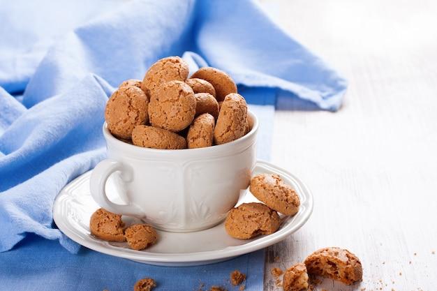 Amaretti biscotto alle mandorle italiano
