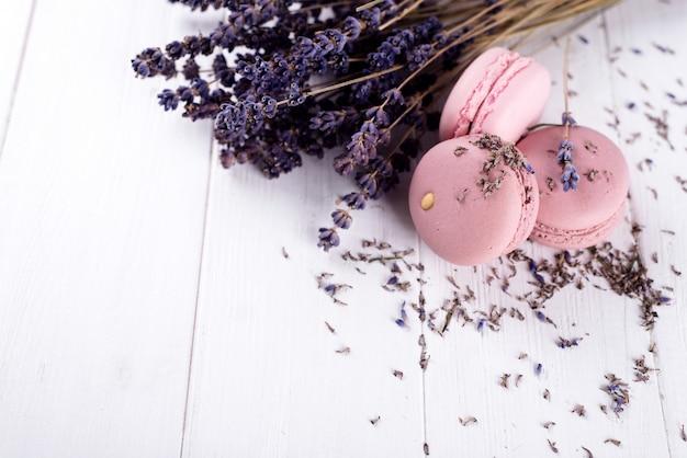 Amaretti dolci alla lavanda