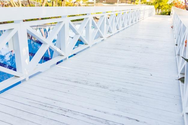 Ambiti di provenienza di struttura di legno bianchi