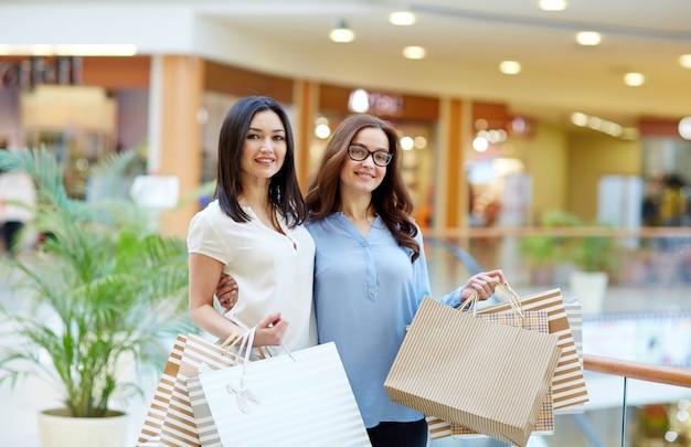 Amici dello shopping