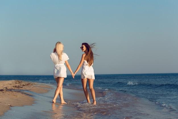 Amici femminili in vacanza