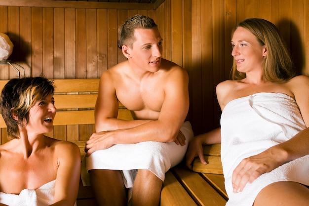 Amici nella sauna