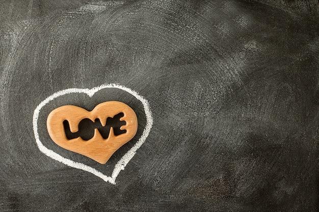 Amore cuore di san valentino sulla lavagna. san valentino