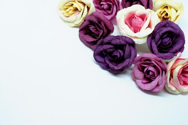 Amore sfondo romantico giorno di san valentino. belle rose