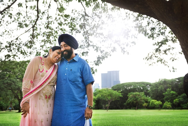 Amorevole coppia indiana senior