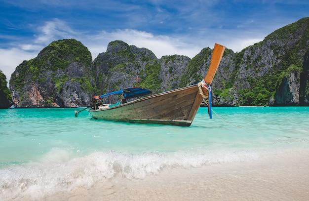 Andamane phi phi leh maya island.