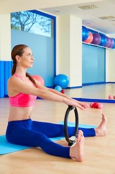 Anello da donna con elastico allungabile