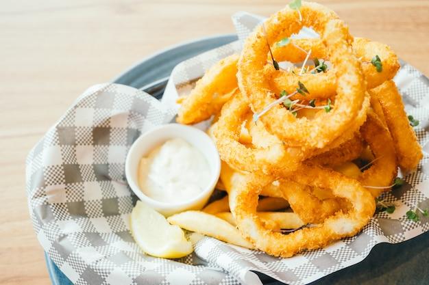 Anello di calamari fritti