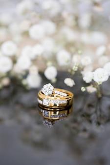 Anello di diamanti da sposa e design di gioielli