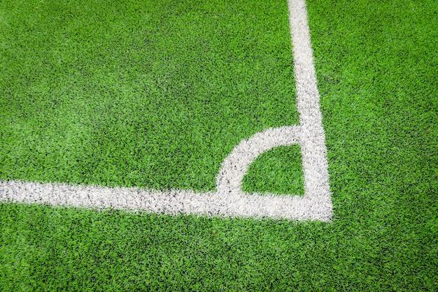 Angolo del campo di calcio futsal o campo di calcio sul verde con la linea centrale angolo vista dall'alto